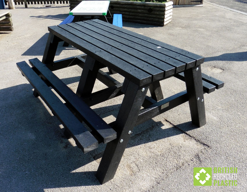 Recycled Plastic Picnic Tables - Wheelchair picnic table