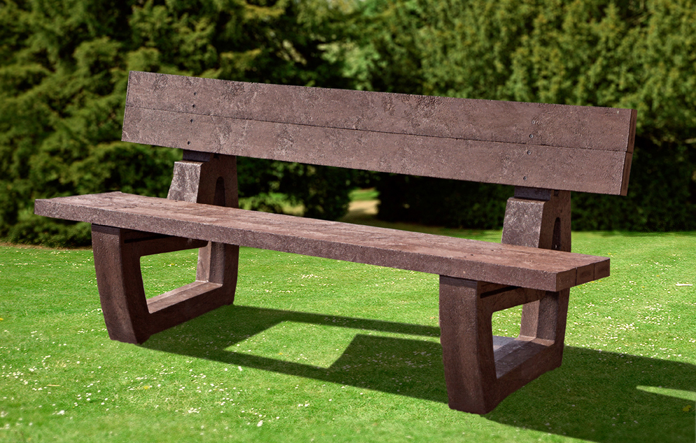 The best-selling Harewood bench made from recycled plastic