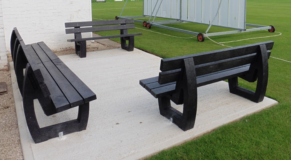 The recycled plastic Harewood bench from British Recycled Plastic