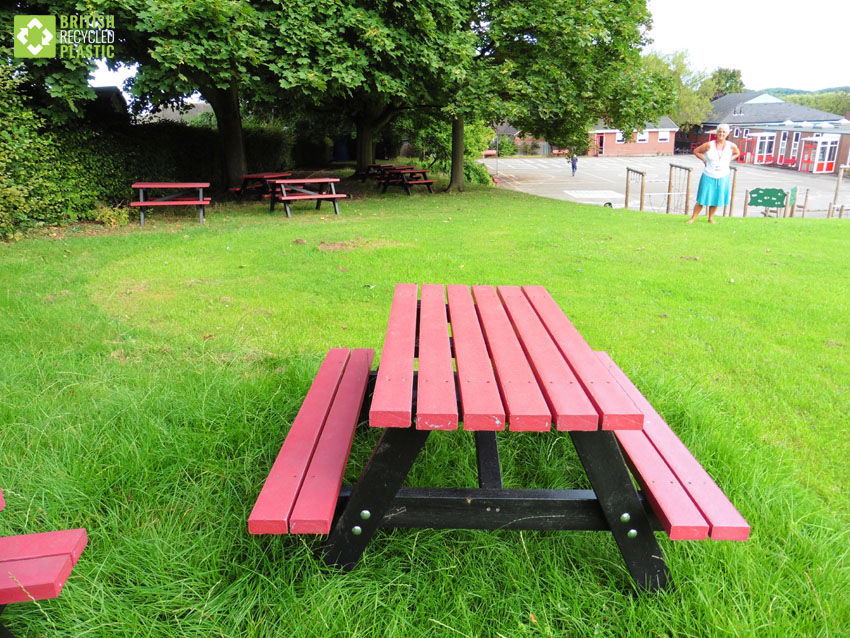 Holmfirth junior recycled plastic picnic table for schools and nurseries