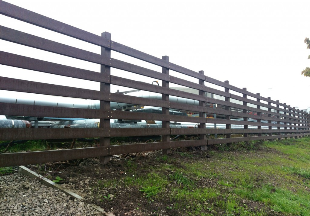 astra-zenica-fence-4