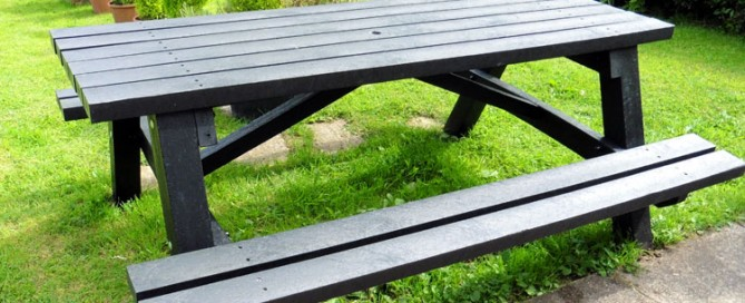 Revisiting the Todmorden heavy duty picnic table