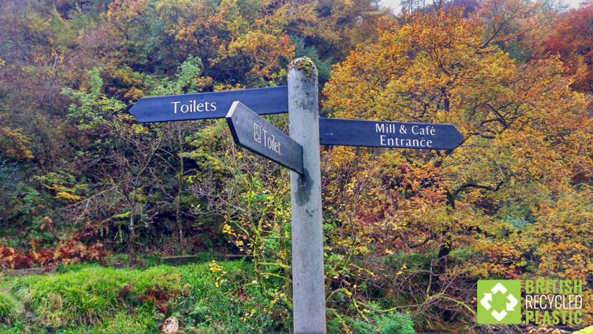 Recycled plastic fingerposts outlast their wooden counterparts at least 5-to-1