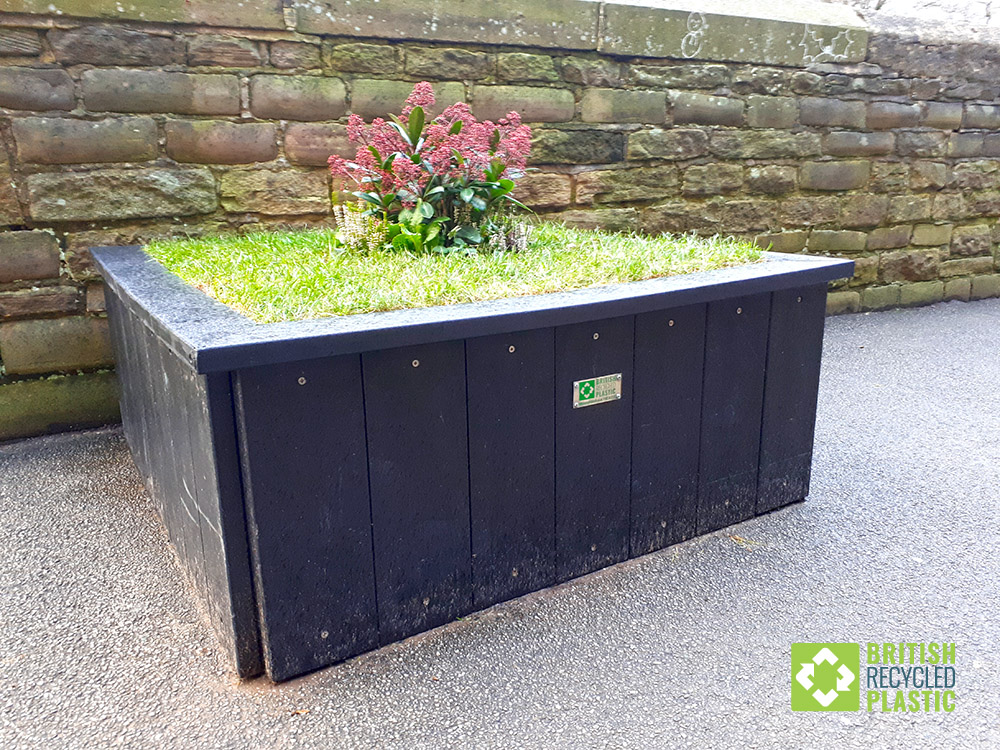 saltaire-recycled-plastic-planter-3