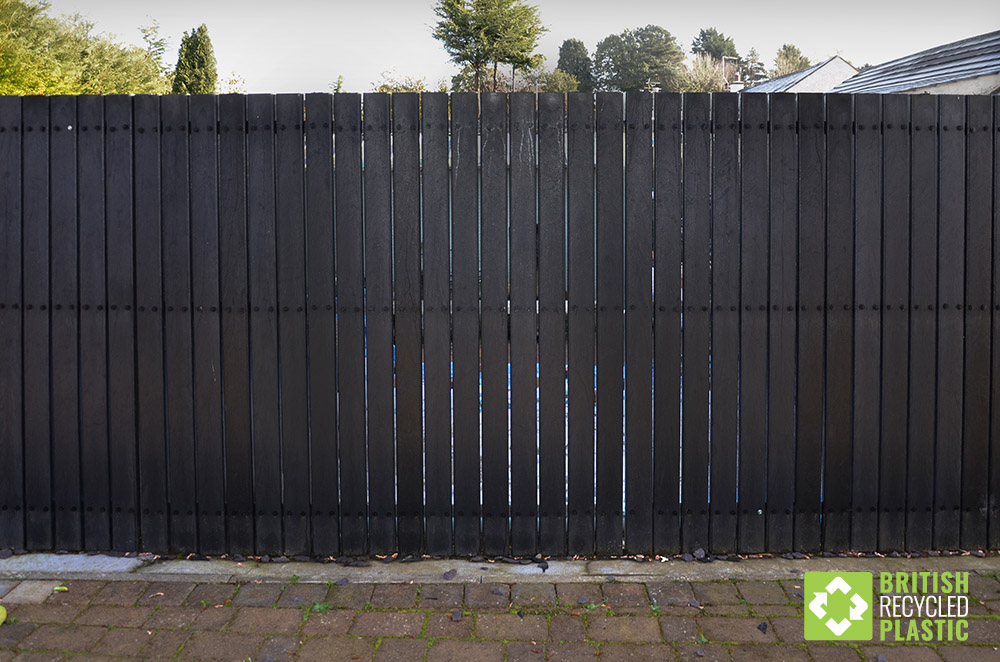 Maintenance free recycled plastic fencing