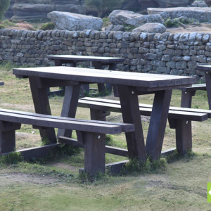 Batley recycled plastic walkthrough picnic tables