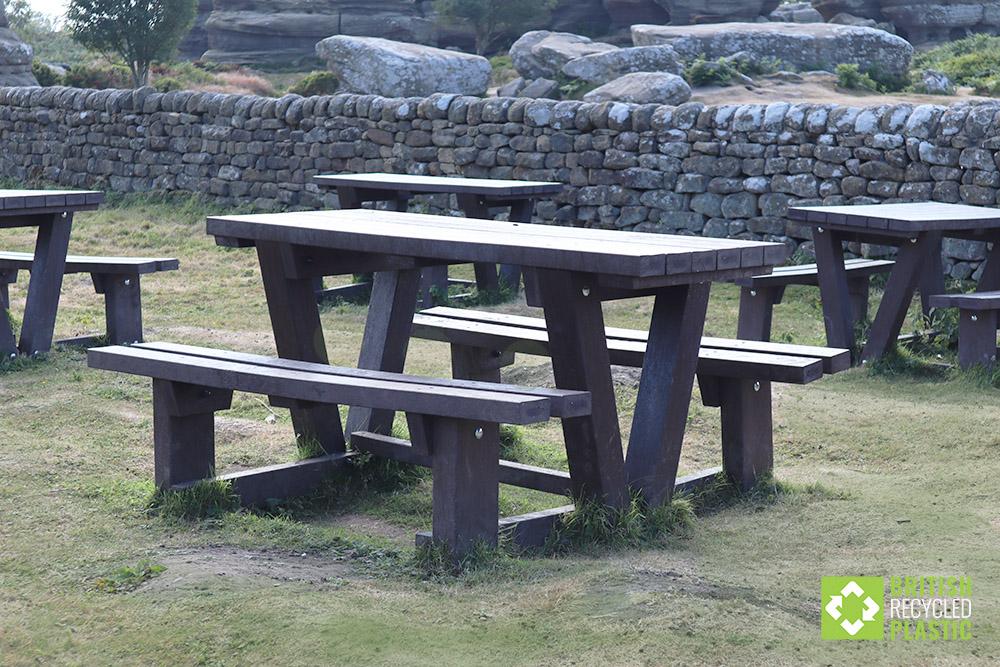 Batley recycled plastic walkthrough picnic tables