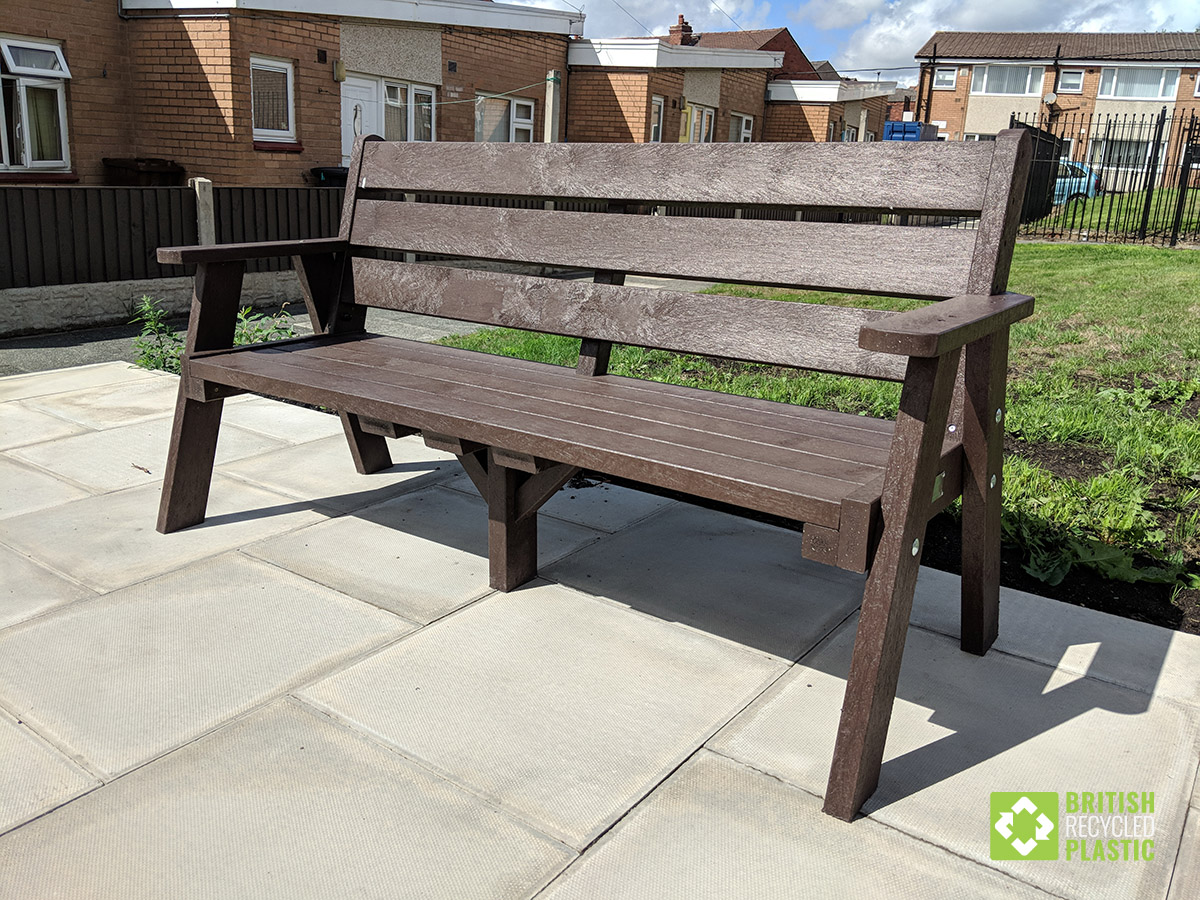 Classic recycled plastic Ilkley sloper bench