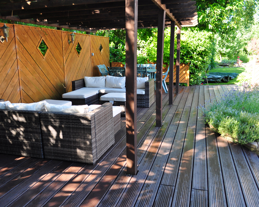 Decking made from recycled plastic