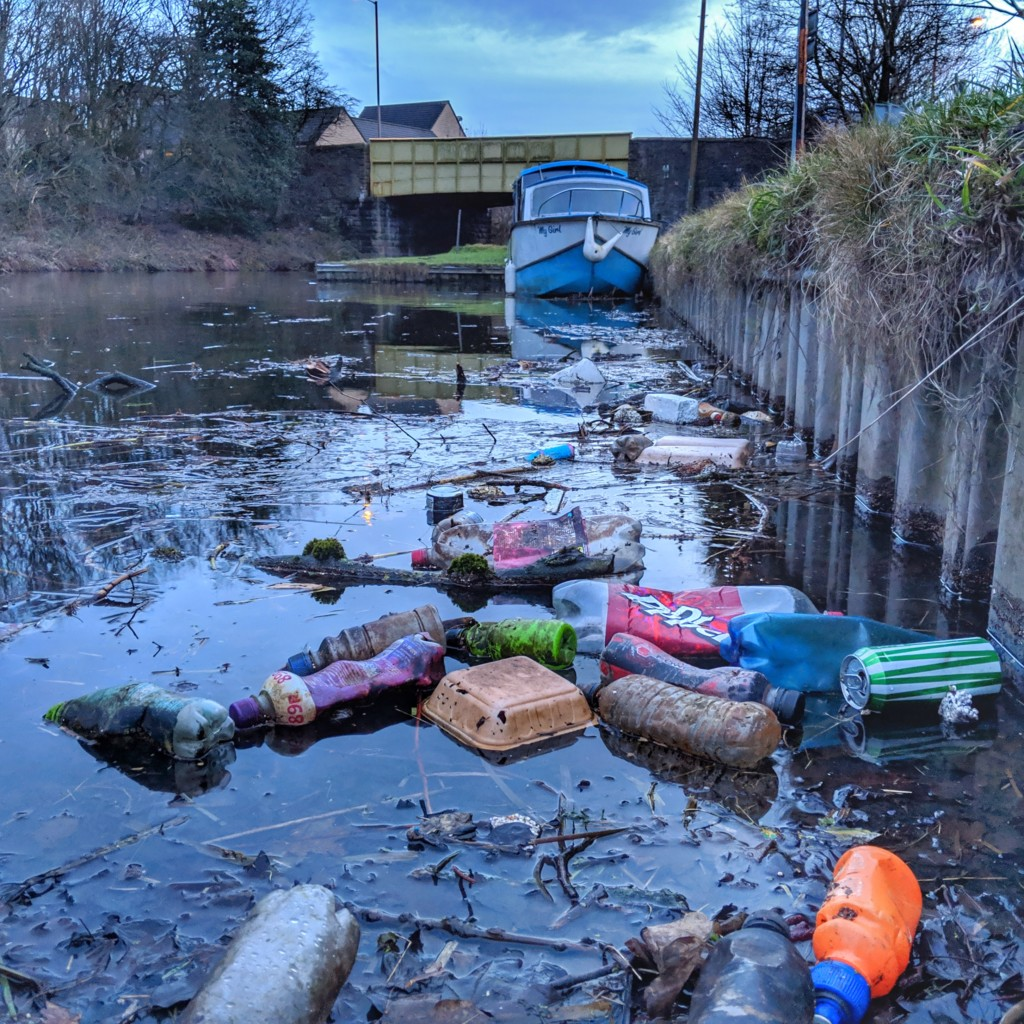 Plastic pollution in the Leeds and Liverpool Canal near Chorley