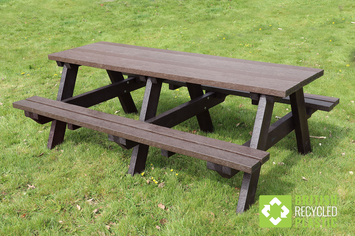 The Todmorden is the largest bench from British Recycled Plastic