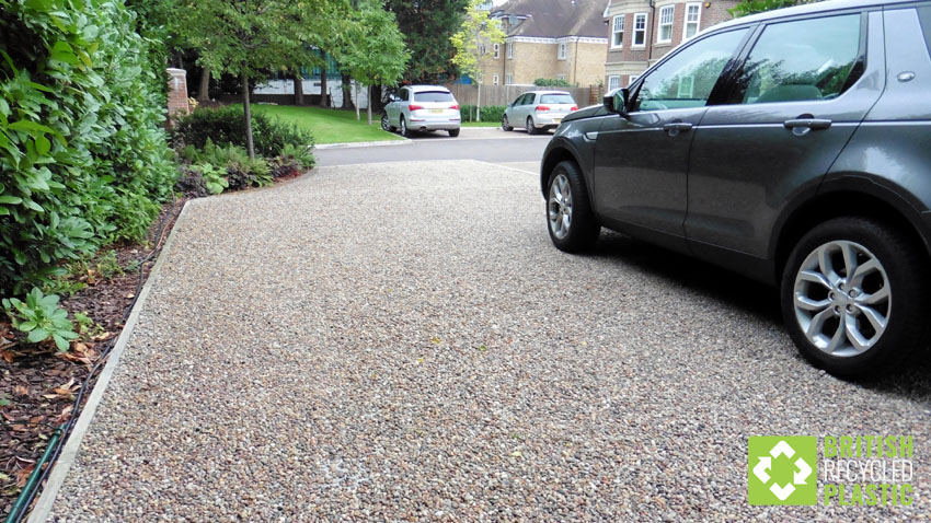 Hebden X Grids, ground-reinforcement-grids used under gravel-driveway in St-Albans