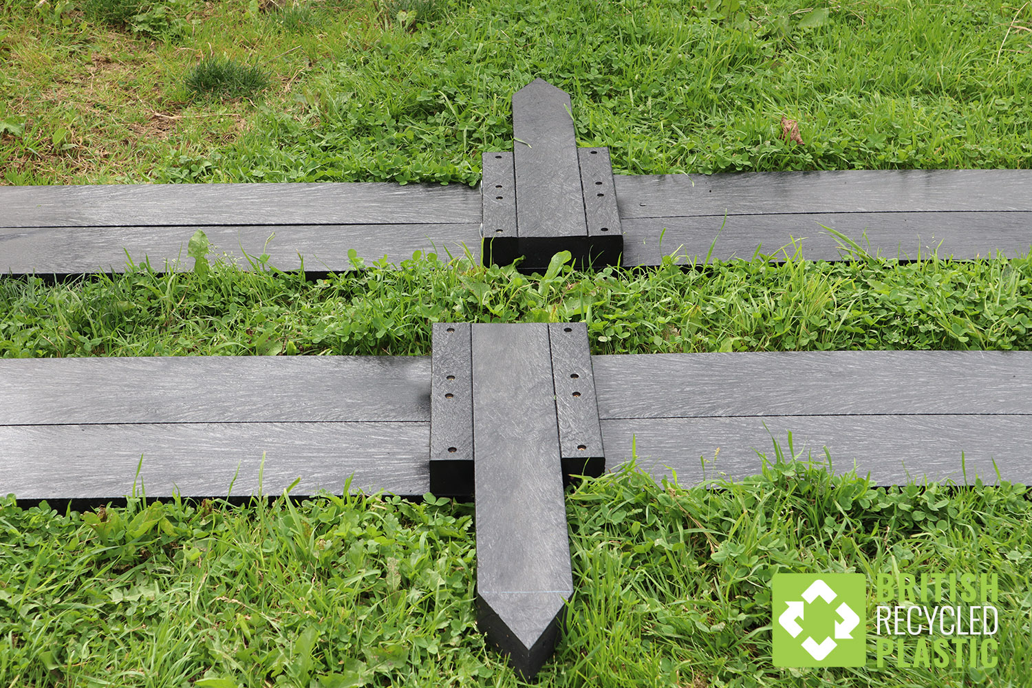 For 2 metre and 3 metre raised beds, the sections are held together with stakes at the joins