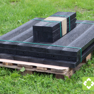 Whether 1 metre or 3 metres long, all of our recycled plastic raised bed kits are delivered on a single pallet