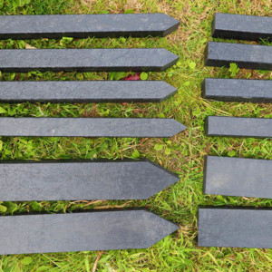 Picture comparing the different sizes of corner stakes available.