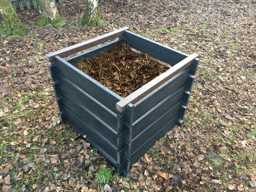 The Redacre easy assembly recycled plastic composter