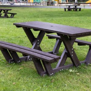 Batley walkthrough picnic table