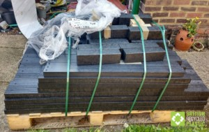 300mm flat packed raised bed on delivery pallet
