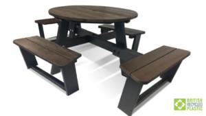 Calder Plus inclusive picnic table to allow social distancing