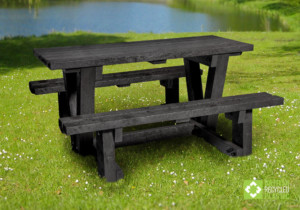 Batley walkthrough picnic table
